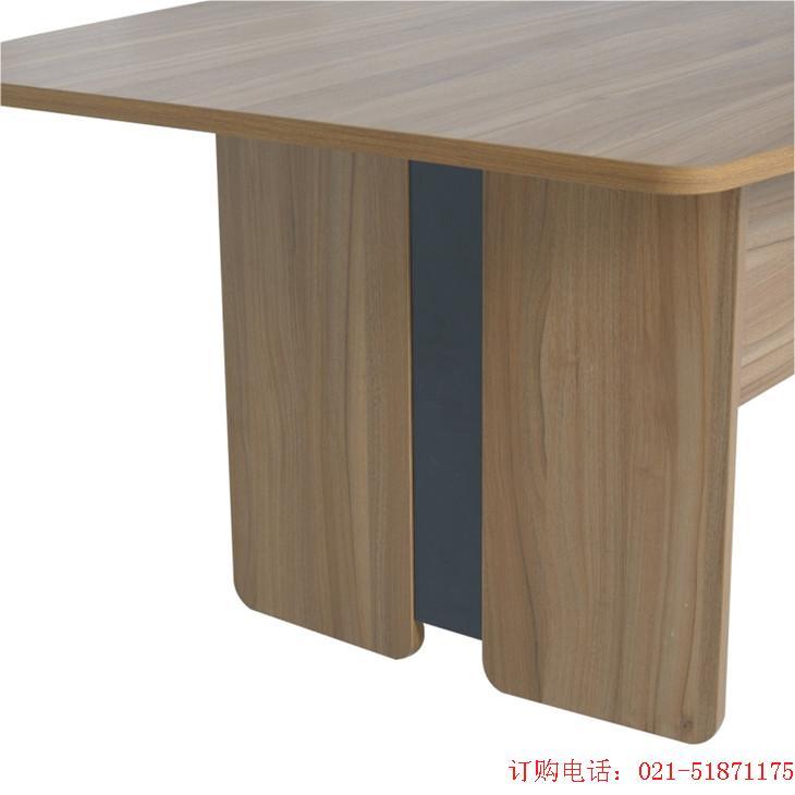 5公分;面板为长方形四角倒圆角,避免碰伤;(人性化设计原理) *枫木色